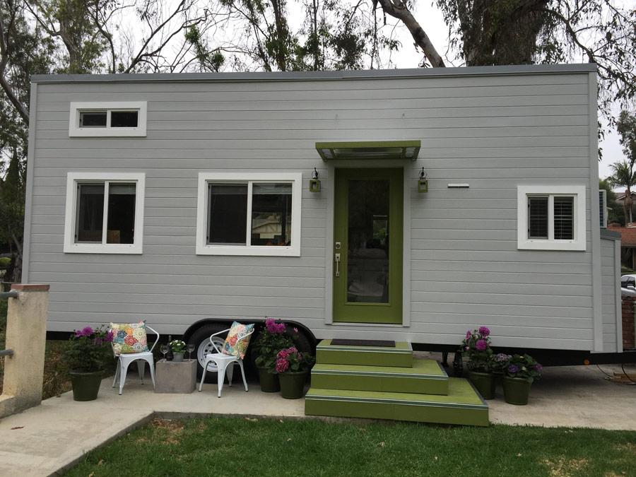 miranda tiny house tiny house france. Black Bedroom Furniture Sets. Home Design Ideas