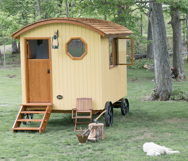 Rustique tiny house par g te tiny house france for Tiny homes for sale canada