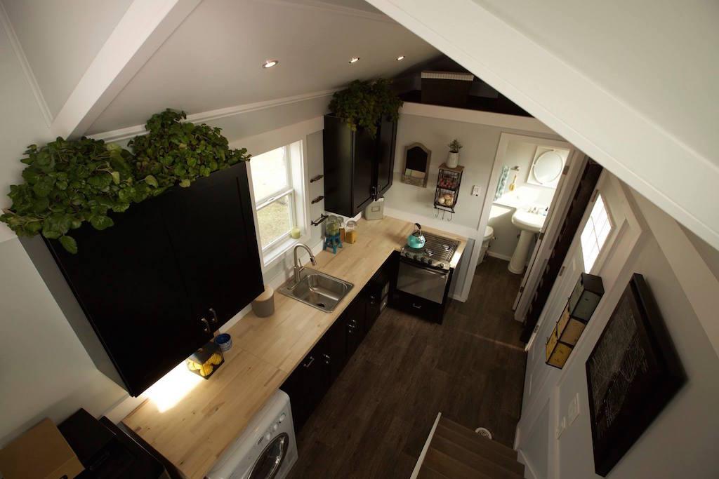 tiny house notarosa par titan home builder tiny house france. Black Bedroom Furniture Sets. Home Design Ideas