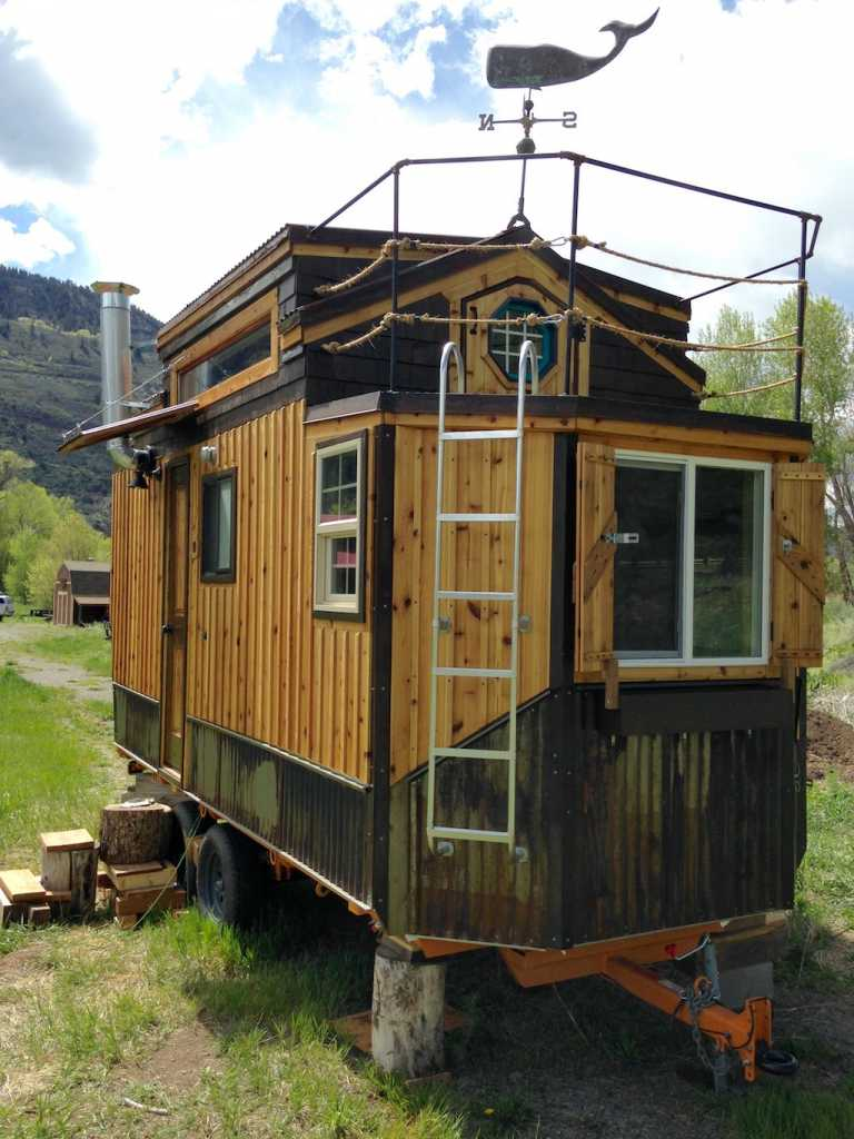 ridgway tiny house tiny house france. Black Bedroom Furniture Sets. Home Design Ideas