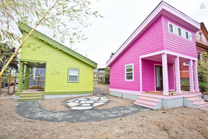 pink-tiny-home-in-portland-1-thf