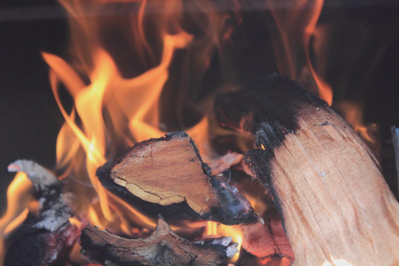 Peut On Installer Un Poele A Bois Soi Meme se chauffer au bois dans une tiny house