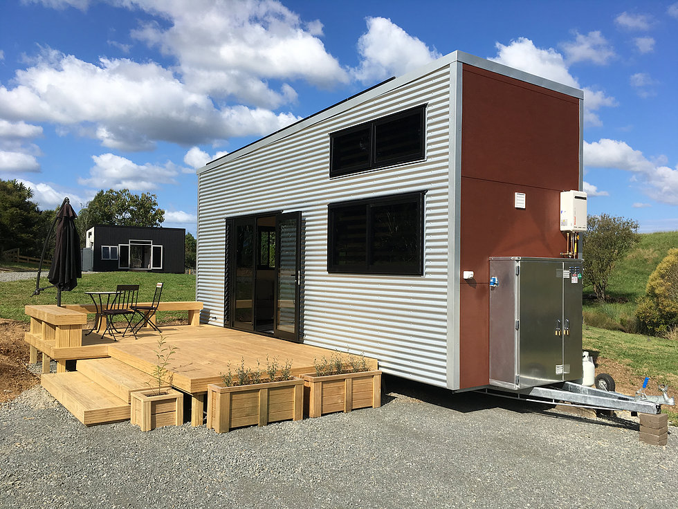 the boomer tiny house par build tiny tiny house france. Black Bedroom Furniture Sets. Home Design Ideas