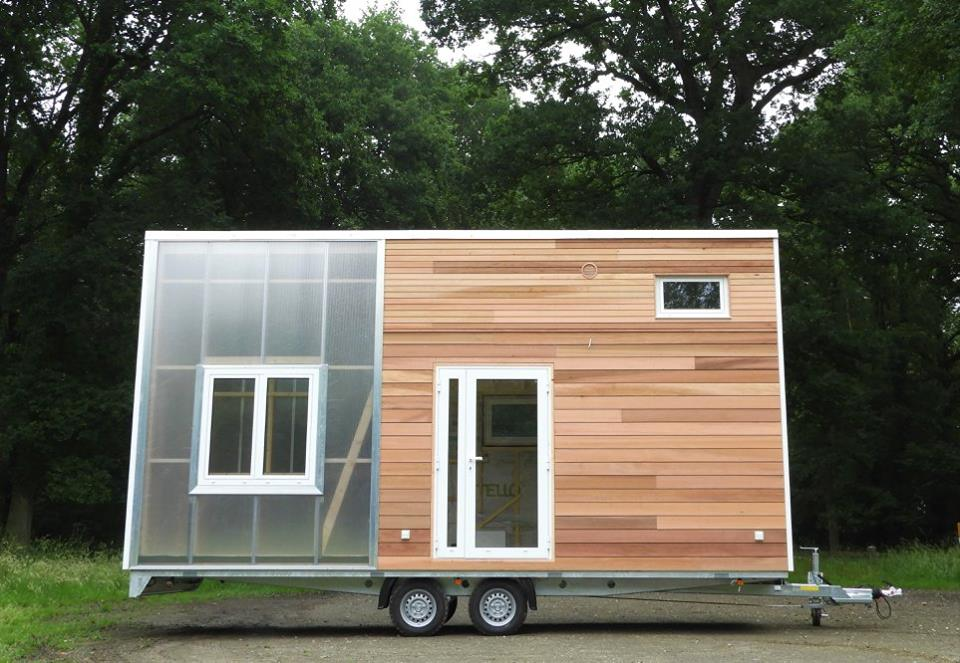 tiny house avec jardin d 39 hiver tiny house france. Black Bedroom Furniture Sets. Home Design Ideas