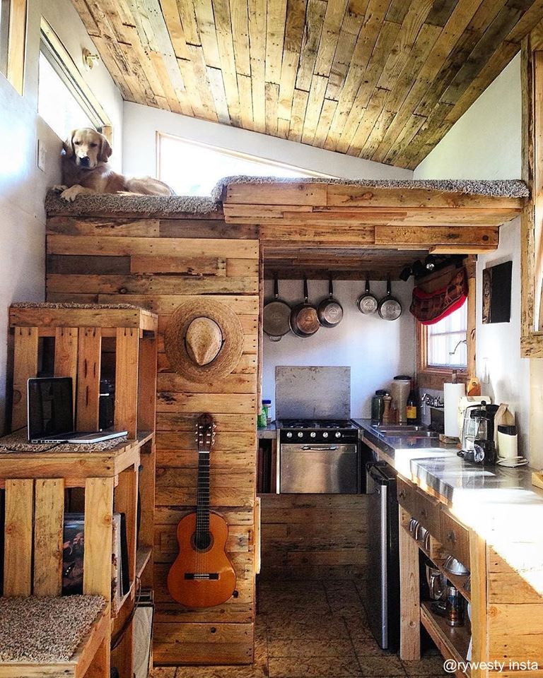 Un intérieur rustique tiny house