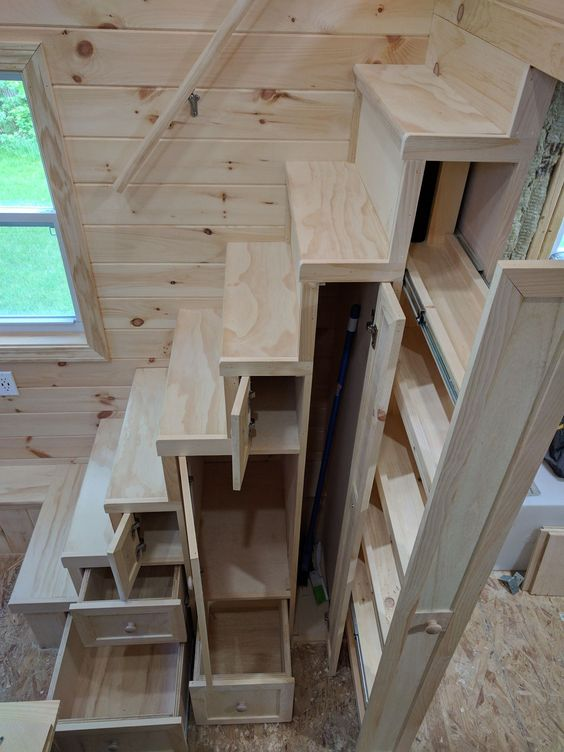 Escalier multi-rangements