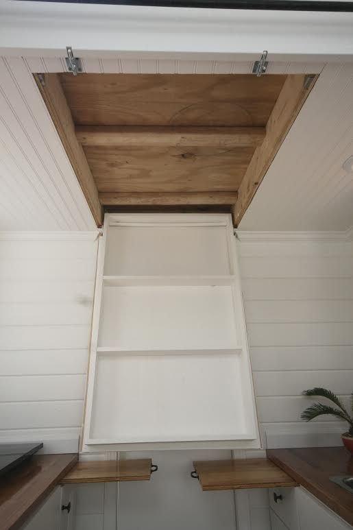 Trappe dans le plafond