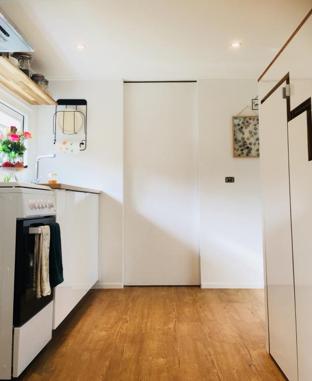 Cindy et Joey ont auto-construit leur tiny house et prônent le minimalisme