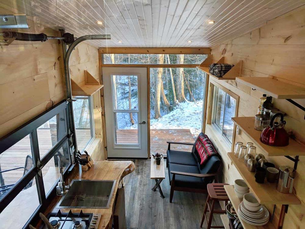 Dashy Tiny House salon