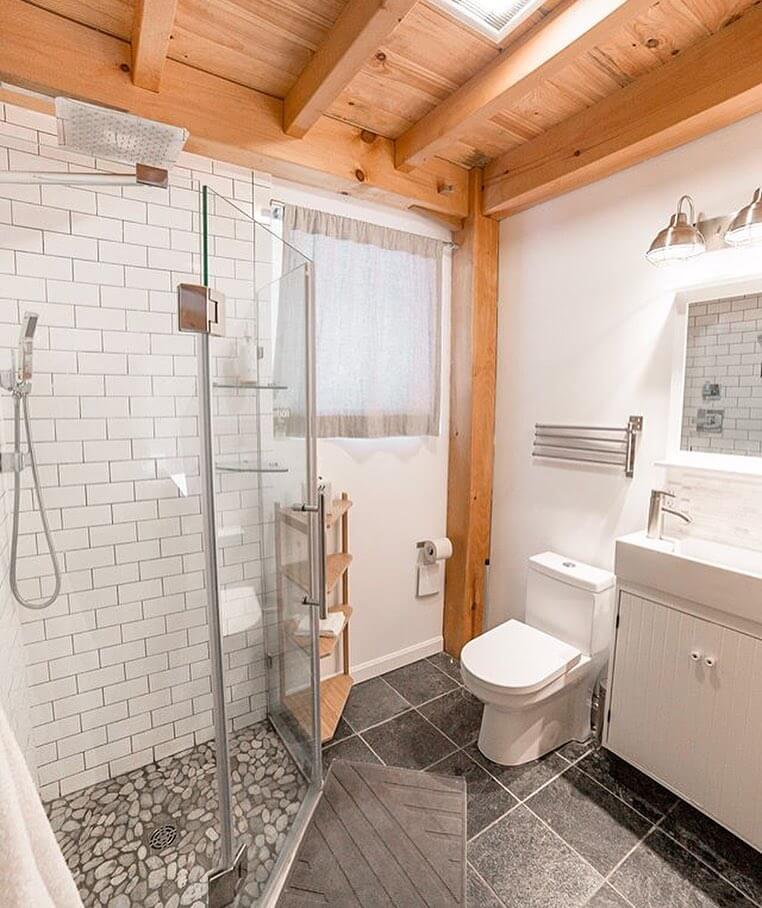Honeycrisp Cottage salle de bain interieur