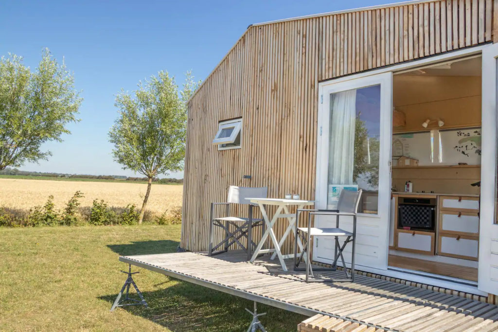 Terrasse tiny house écologique et autonome